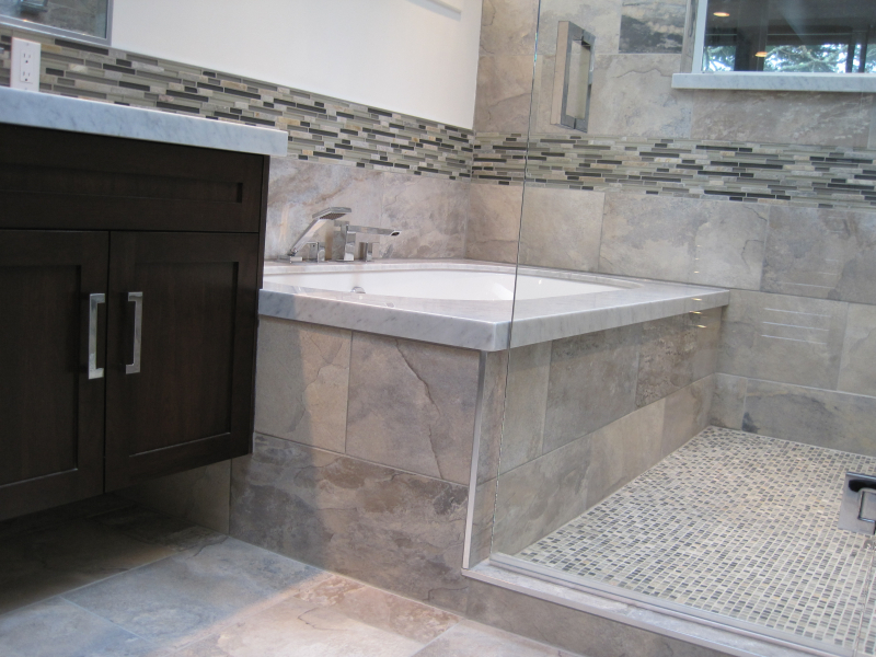 Bathroom renovations capital city construction inc in for Bathroom heaters builders warehouse